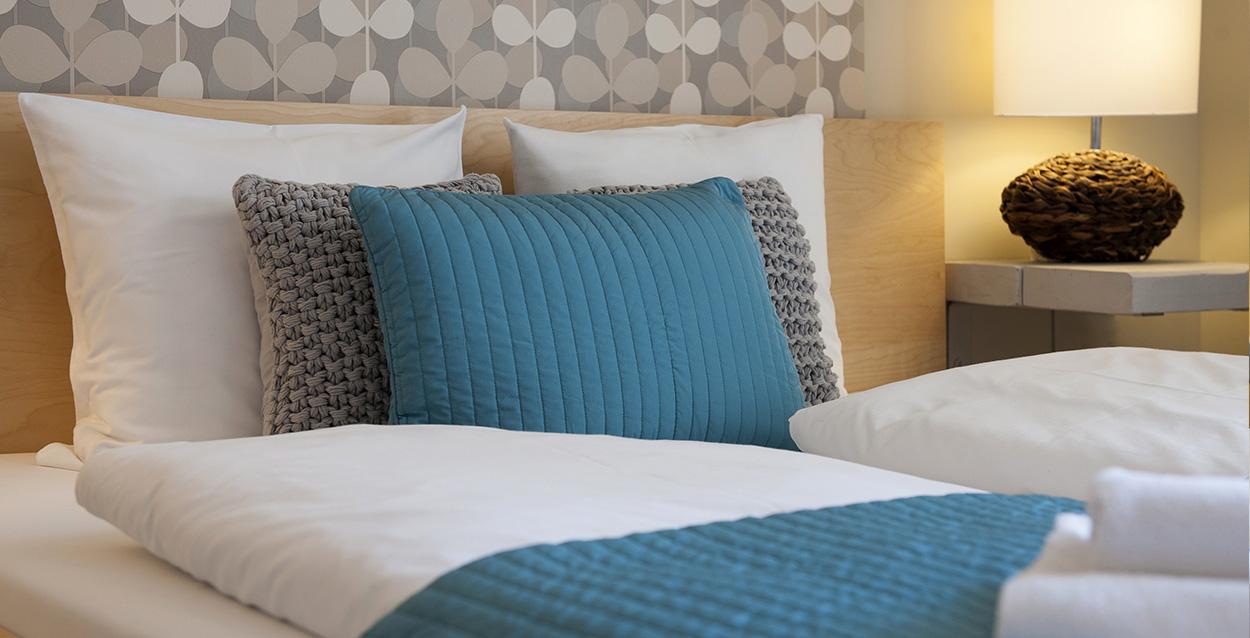 central passage aparments bed